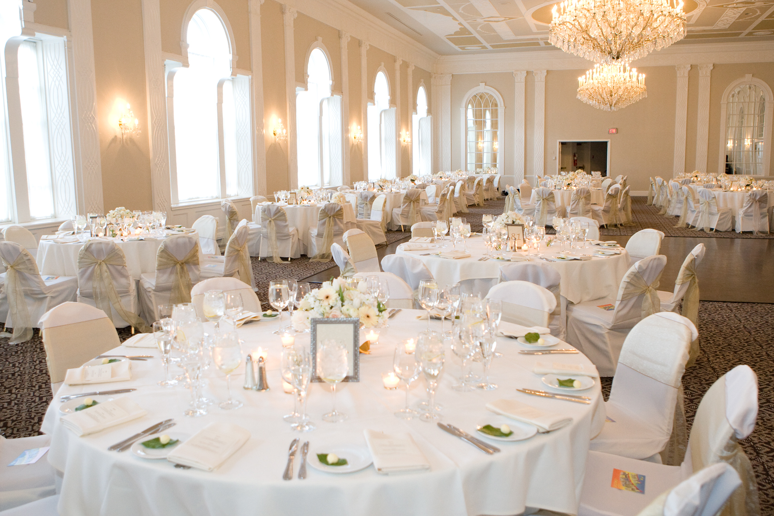 Photo Courtesy Of Tony Yang Photography Jennifer And Matt Light Up The Ballroom With White On Silver Accents